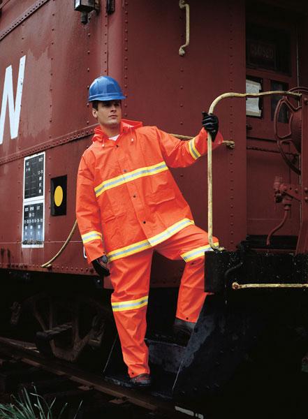 mcr-2013r-suit-model-rail-web600
